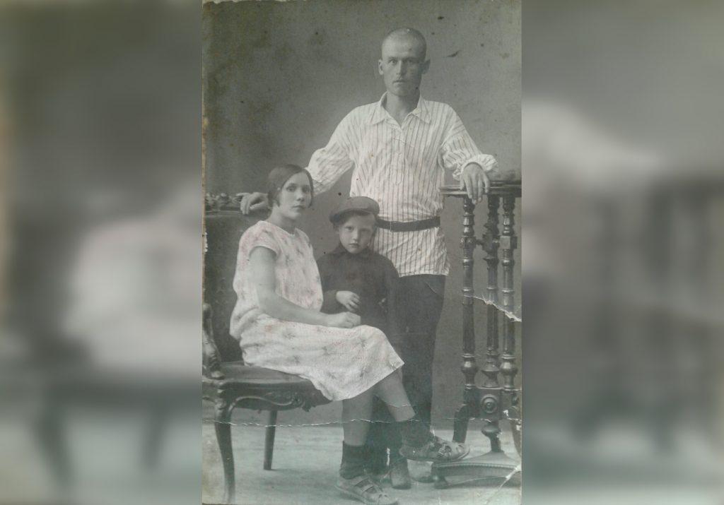 «О себе мало думаю, мне важно знать про вас…»: нижегородка хранит 13 писем от отца, погибшего на фронте