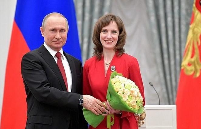 «Чем больше мы исследуем, тем лучше понимаем, как мало знаем обопухолях»: Марина Ширманова рассказала, зачто получила премию президента
