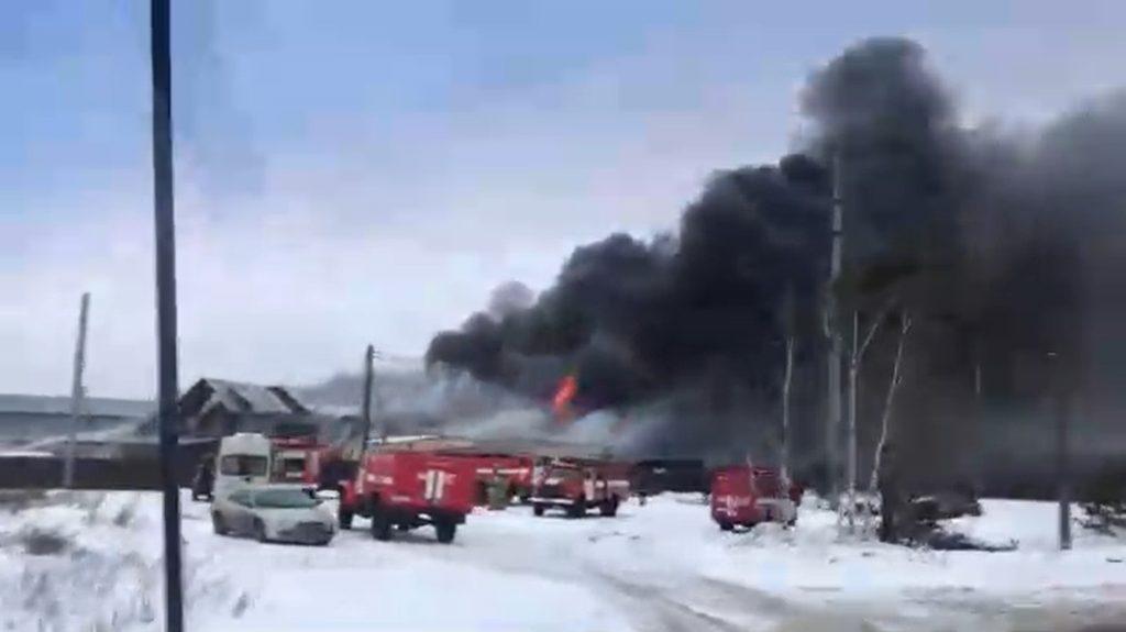 Крупный пожар произошел в Северной промзоне в Дзержинске (ВИДЕО)