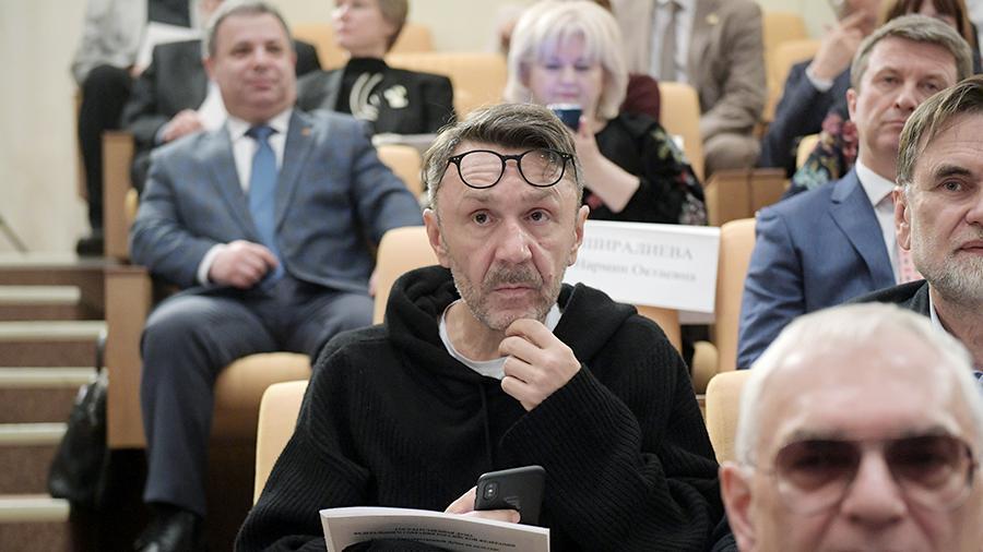 Кремлёвские звёзды: зачем поп-знаменитости идут в депутаты