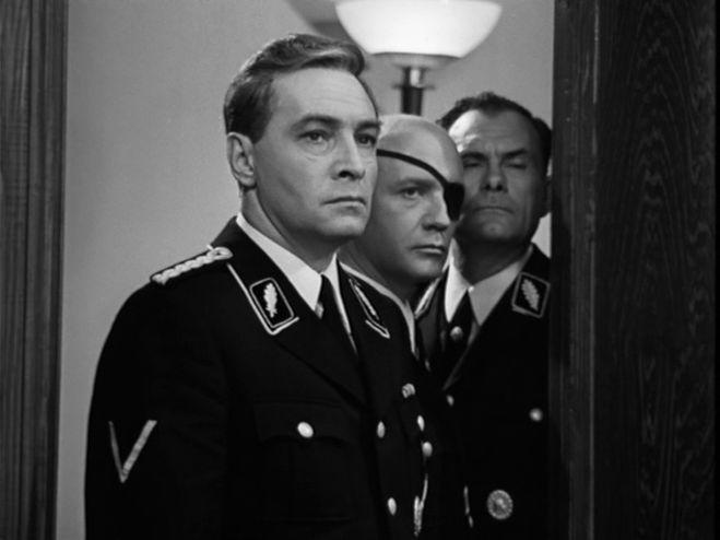 Штирлиц шёл по коридору: какие события легли в основу знаменитого советского сериала