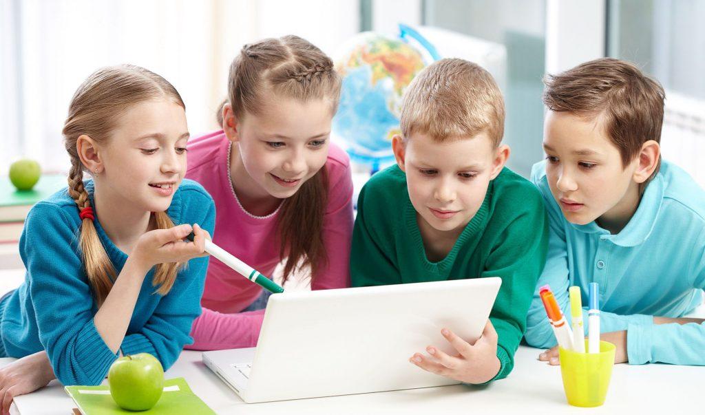 Нижегородские музеи и библиотеки ушли в онлайн: рассказываем, какие выставки можно посетить виртуально детям и взрослым