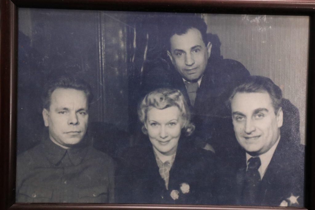 История о том, как Любовь Орлова и Григорий Александров побывали в редакции газеты «Горьковская коммуна»
