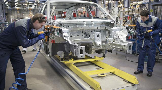 Volkswagen в Нижнем Новгороде отправил сотрудников  в корпоративный отпуск почти на месяц