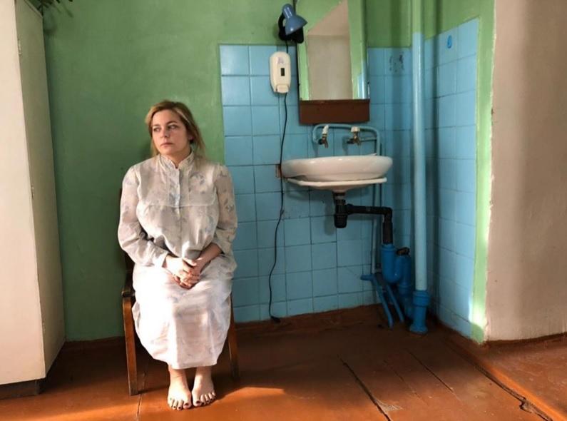Ирина Пегова показала, как снимают продолжение сериала «Акушерка»