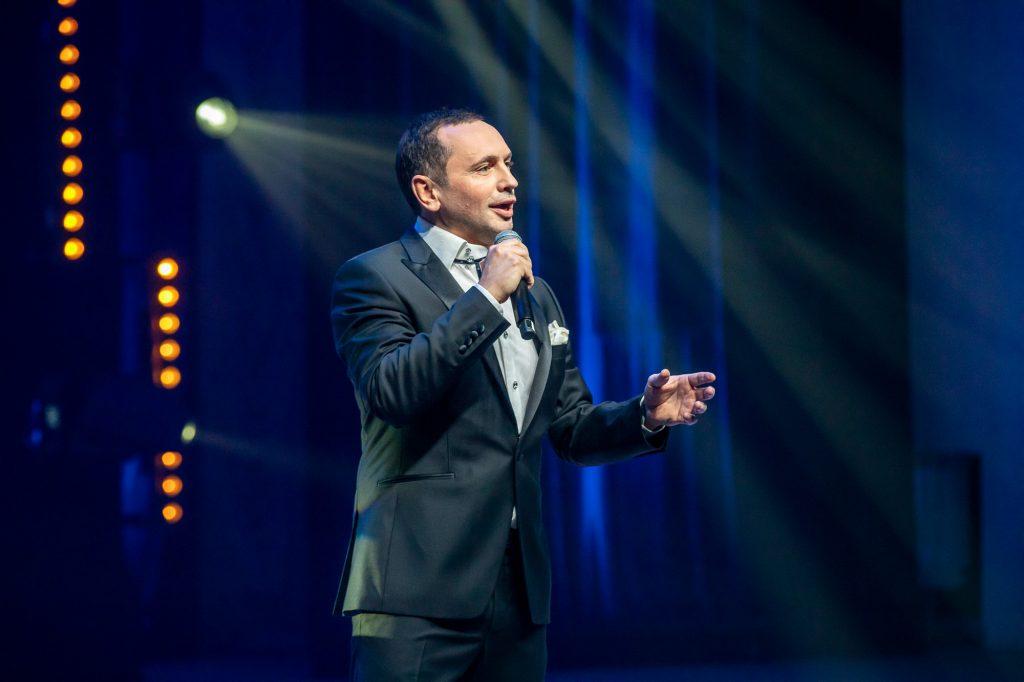 Александр Шалунов: начал петь военные песни в три года