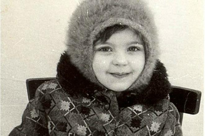 Ирина Пегова умилила соцсети снимком из детства