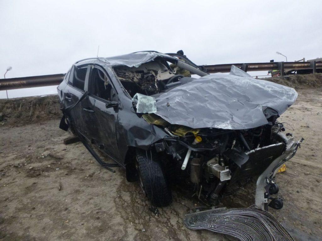 Иномарка пробила отбойник и улетела в Нижегородское водохранилище, водитель погиб