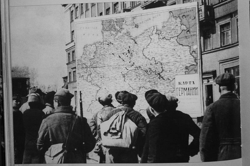 Они ждали Гитлера: кто во время войны был готов работать на немецких оккупантов