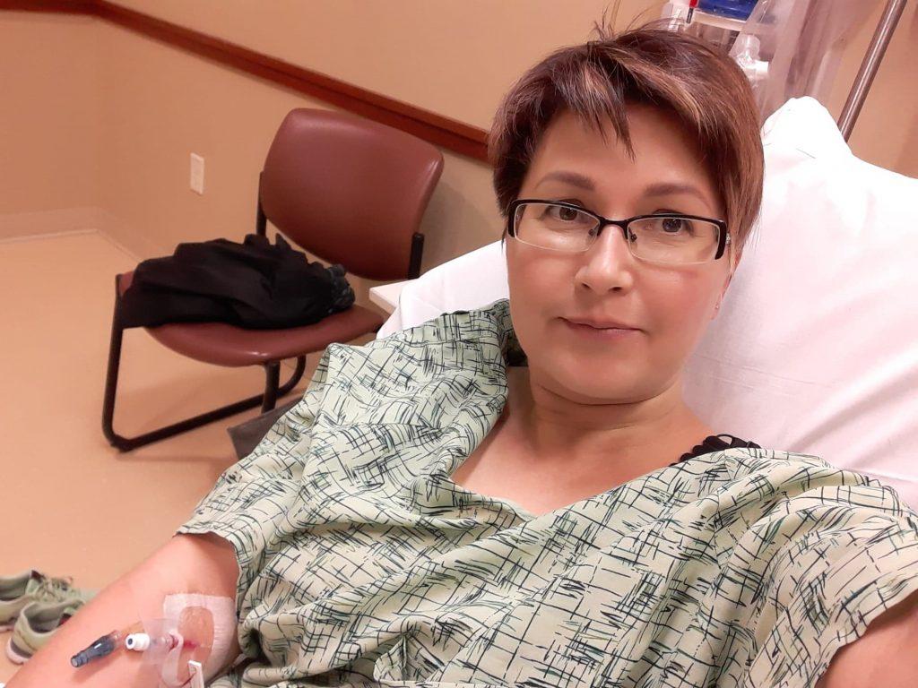 Нижегородская журналистка застряла в США и шьет маски для госпиталя в Чикаго
