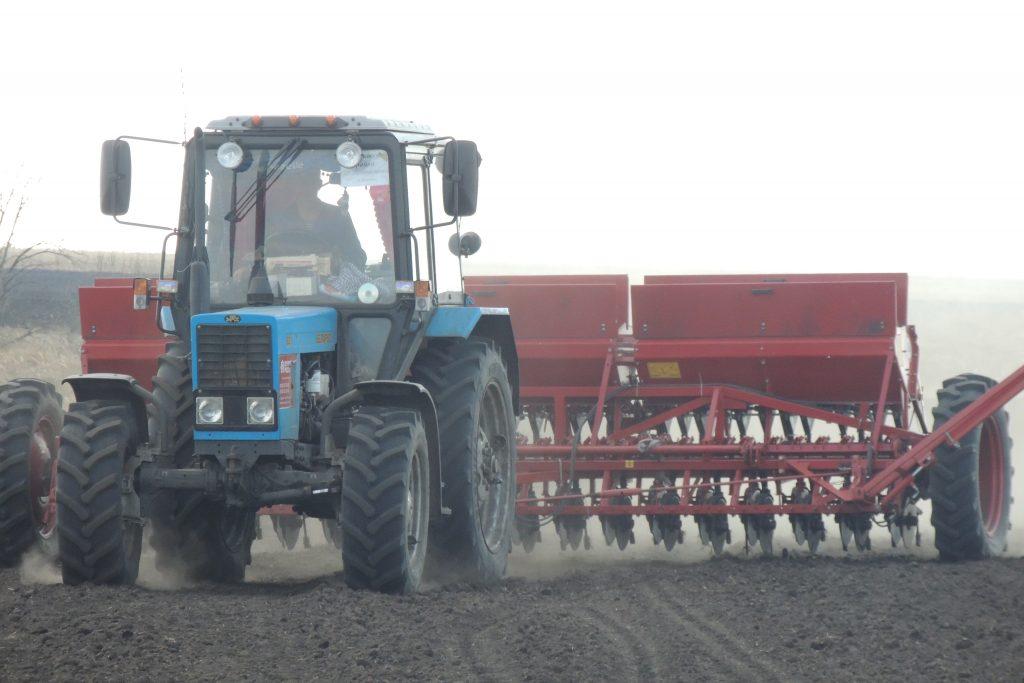 «Родная земля всех прокормит»: глава крестьянско-фермерского хозяйства рассказал о современном земледелии