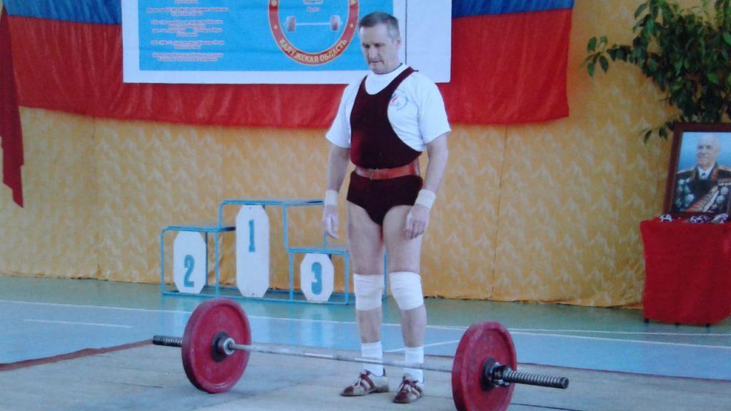 Арзамасский пенсионер Василий Обухов стал серебряным призером на чемпионате России потяжёлой атлетике