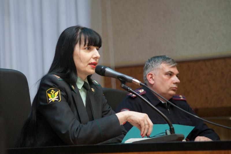 У начальника отдела службы судебных приставов в Дзержинске провели обыск