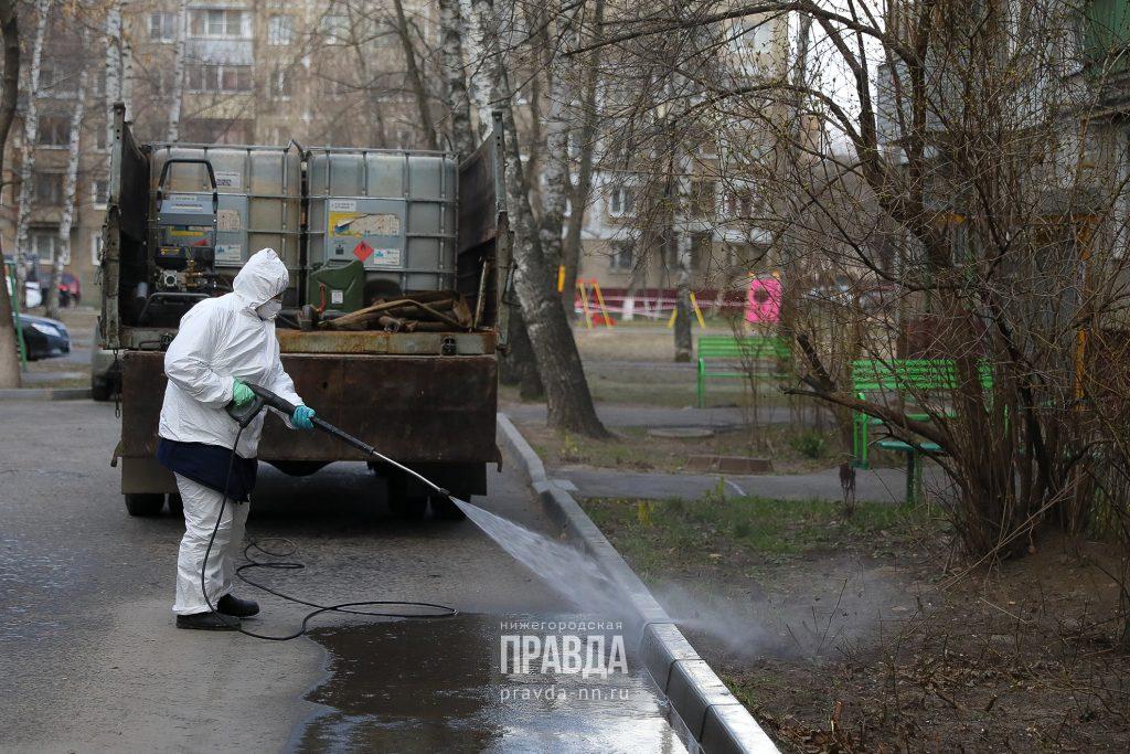Ночью продезинфицировали основные дороги, тротуары и остановки Нижнего Новгорода