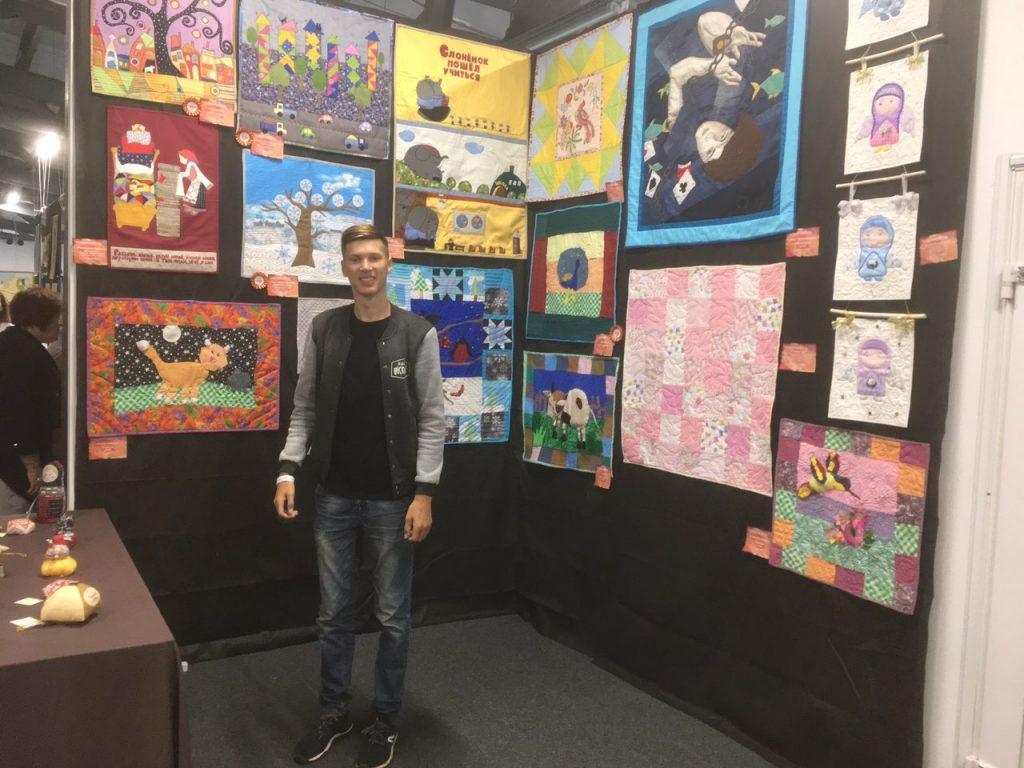 Нижегородский спортсмен на самоизоляции создает лоскутные картины