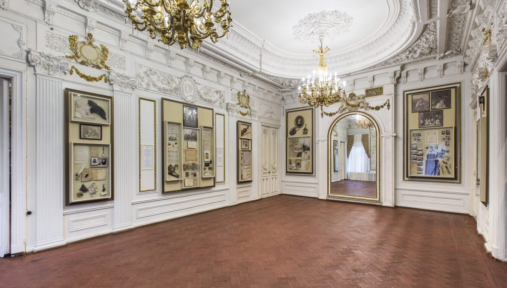 В Литературном музее Горького реставраторы обнаружили уникальные исторические находки