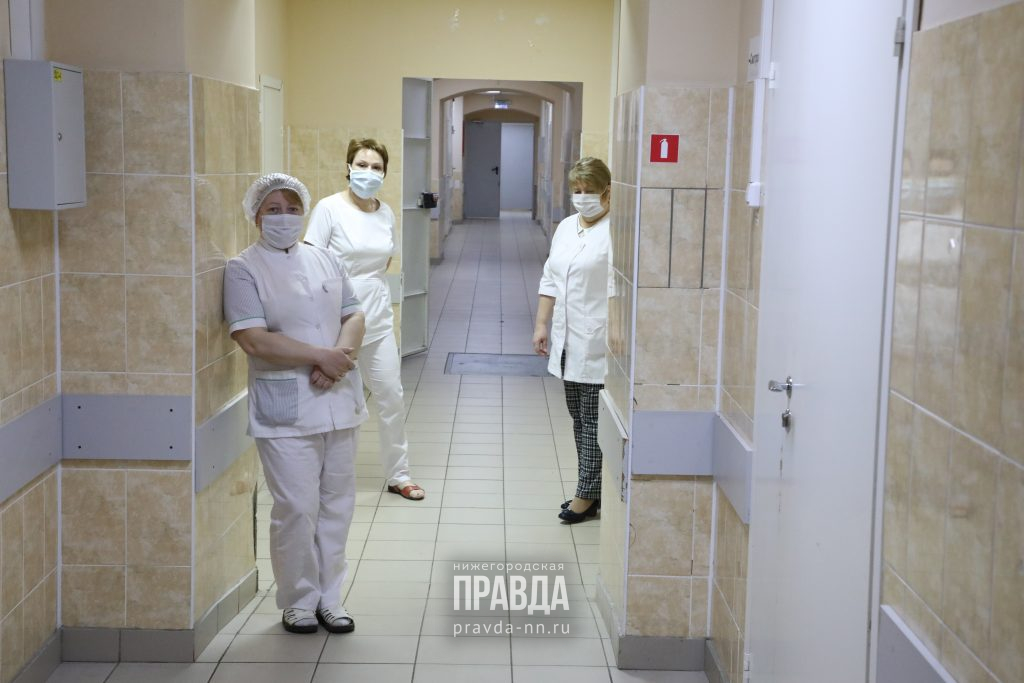 Число выписанных за минувшие сутки пациентов почти вдвое больше числа заболевших коронавирусом