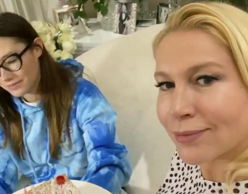 Екатерина Одинцова отметила день рождения дочери онлайн