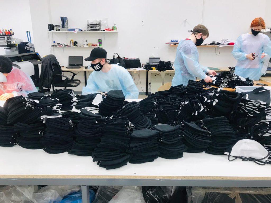 Федерация бокса Нижегородской области передала волонтерам региона 1500 тканевых масок