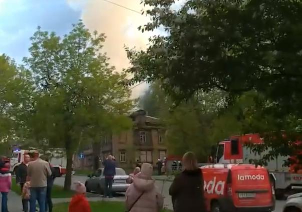 В историческом здании на Малой Ямской произошёл пожар (ВИДЕО)