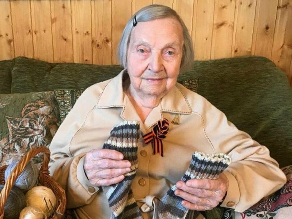 98-летняя пенсионерка-блогер собрала 3,5 млн рублей на борьбу с коронавирусом