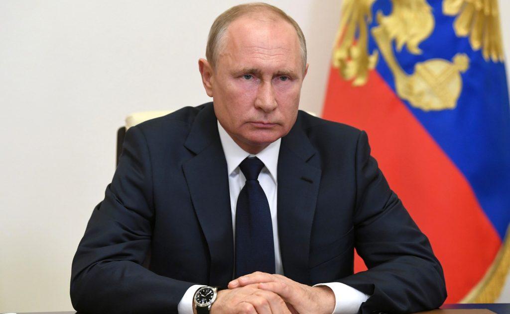 Выплаты на детей, льготные кредиты и отмена налогов: какие меры поддержки озвучил Владимир Путин в своем обращении