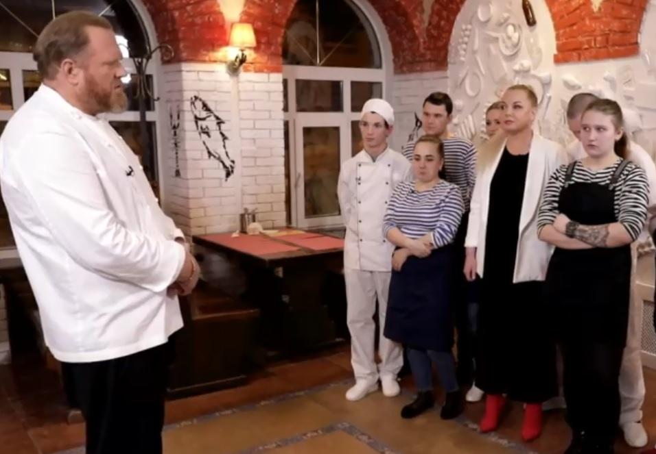 Разбил микроволновку и покрасил стены: как Константин Ивлев переделывал нижегородское кафе