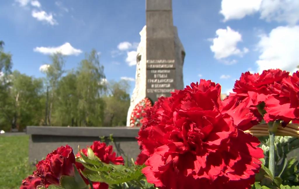 «Волонтеры Победы» благоустраивают мемориалы вНижегородской области