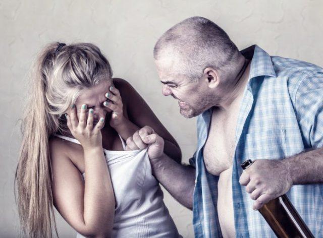Избитая тема: что делать, если муж распускает руки
