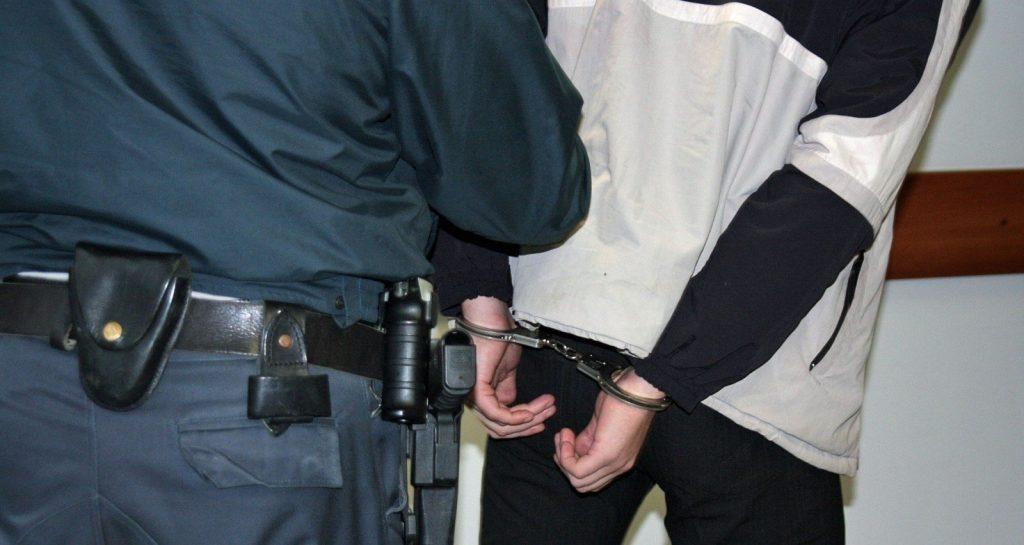 За пытки в полиции нижегородцам заплатили по 5 тысяч рублей