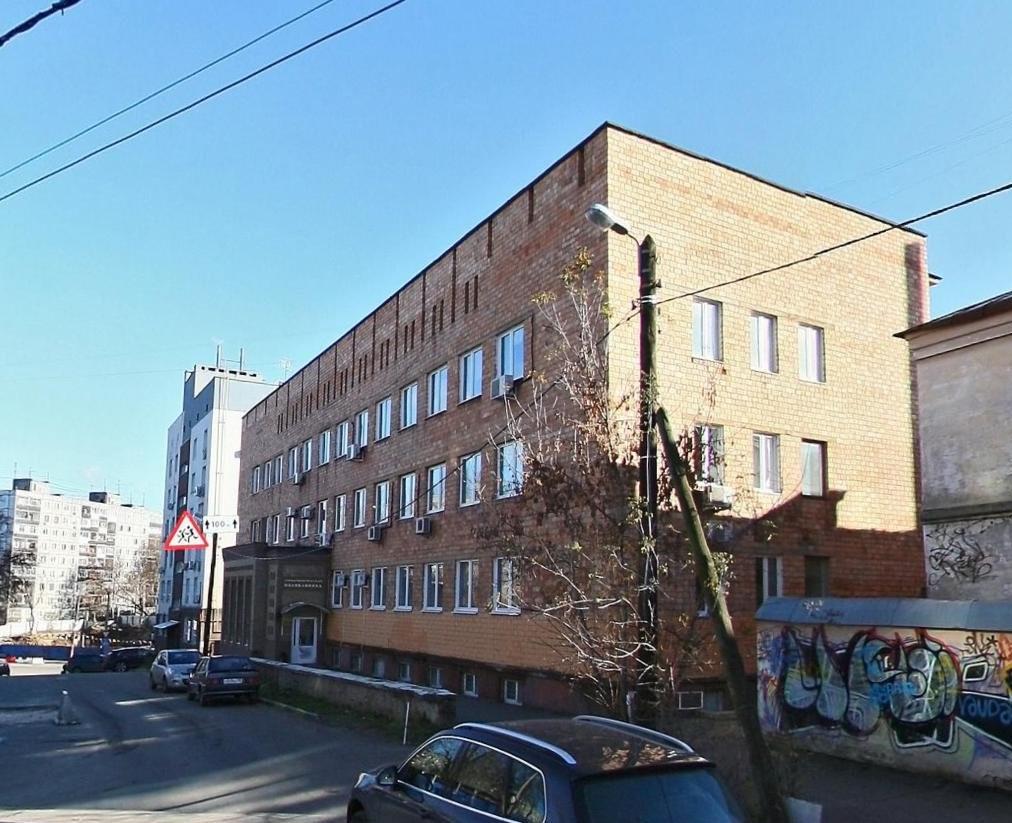 Остановку и стоянку автомобилей запретят на улице Володарского около стоматологической поликлиники