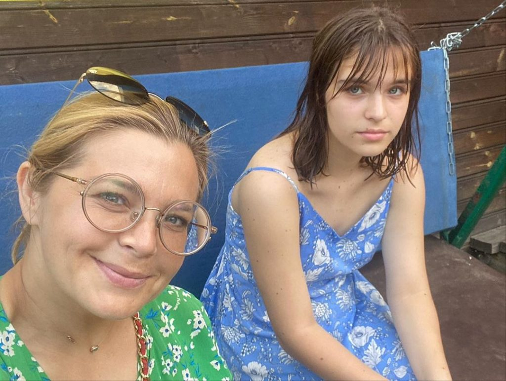 Ирина Пегова показала дочери «райский уголок»