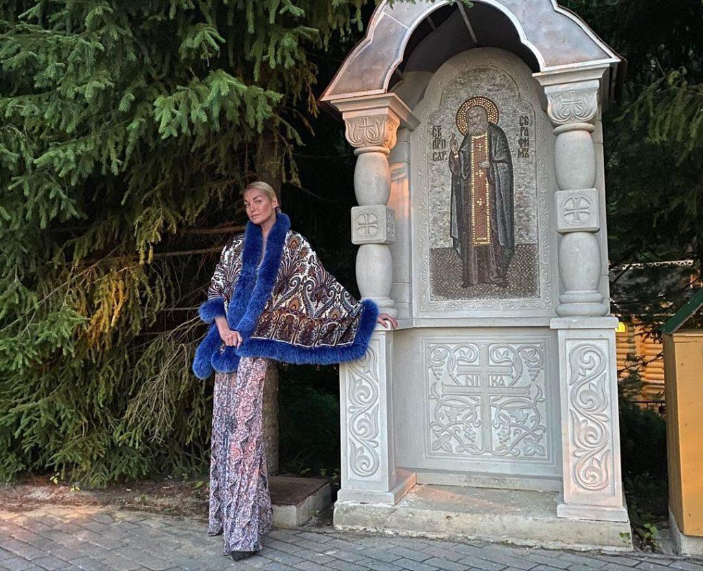 Глеб Никитин прокомментировал визит Волочковой в Дивеево: «Известность — это не привилегия и не вседозволенность»