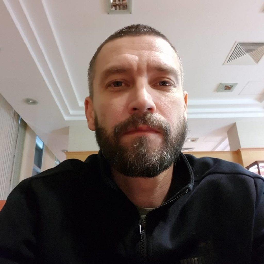 Злоумышленники залезли в дом Владимира Кристовского и похитили украшения его жены