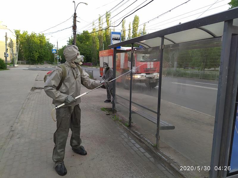 Нижегородские спасатели продезинфицировали остановки общественного транспорта