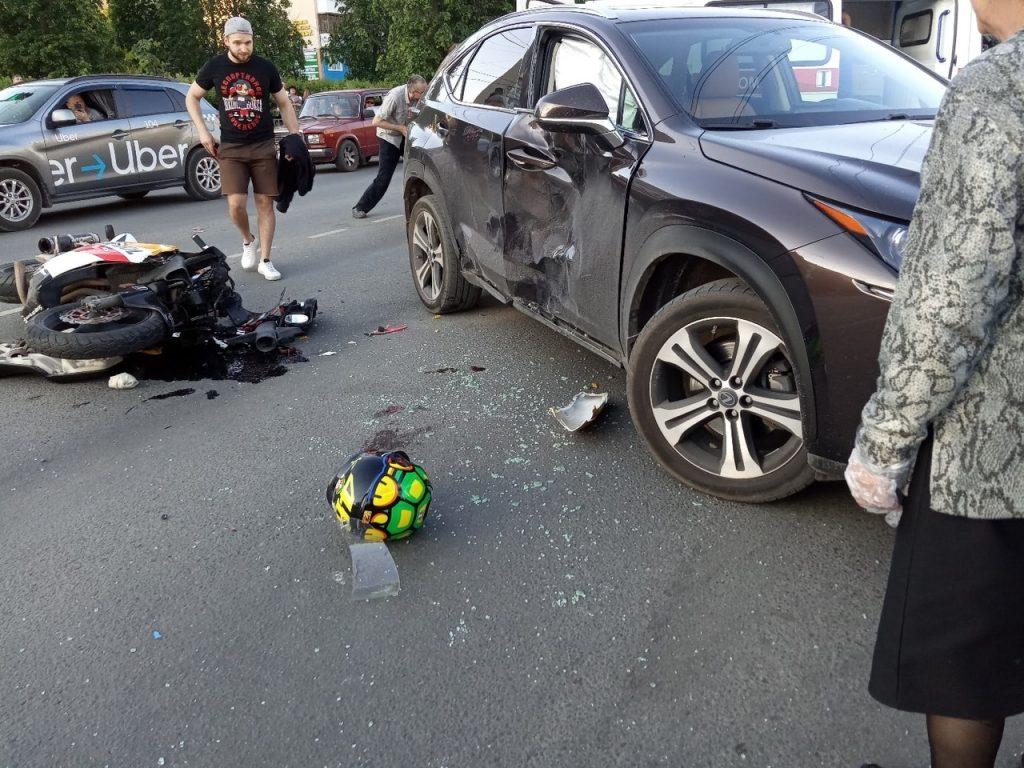 Мотоциклист попал в реанимацию после ДТП с иномаркой в Дзержинске