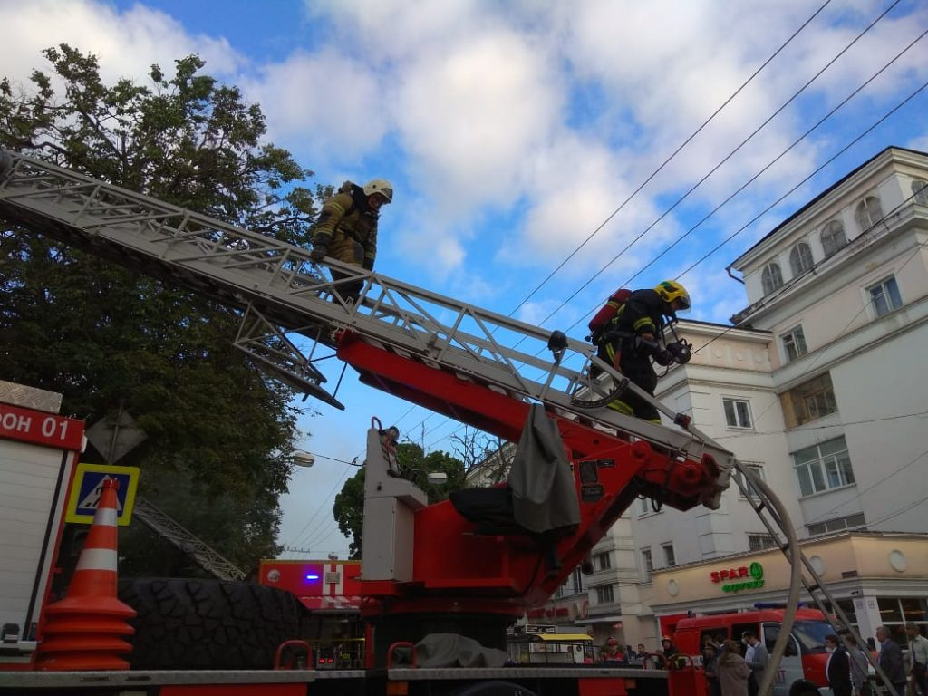Опубликовано видео с места пожара в Литературном музее имени Горького