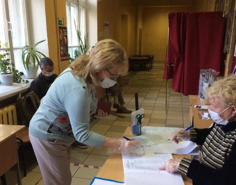 Елена Ленина: «Я лично убедилась, что голосование на избирательном участке абсолютно безопасно»