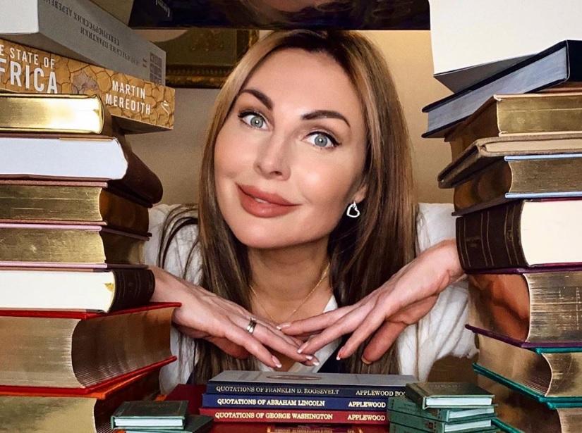 «Могу часами залипать в удивительные истории»: Наталья Бочкарева назвала любимые книги