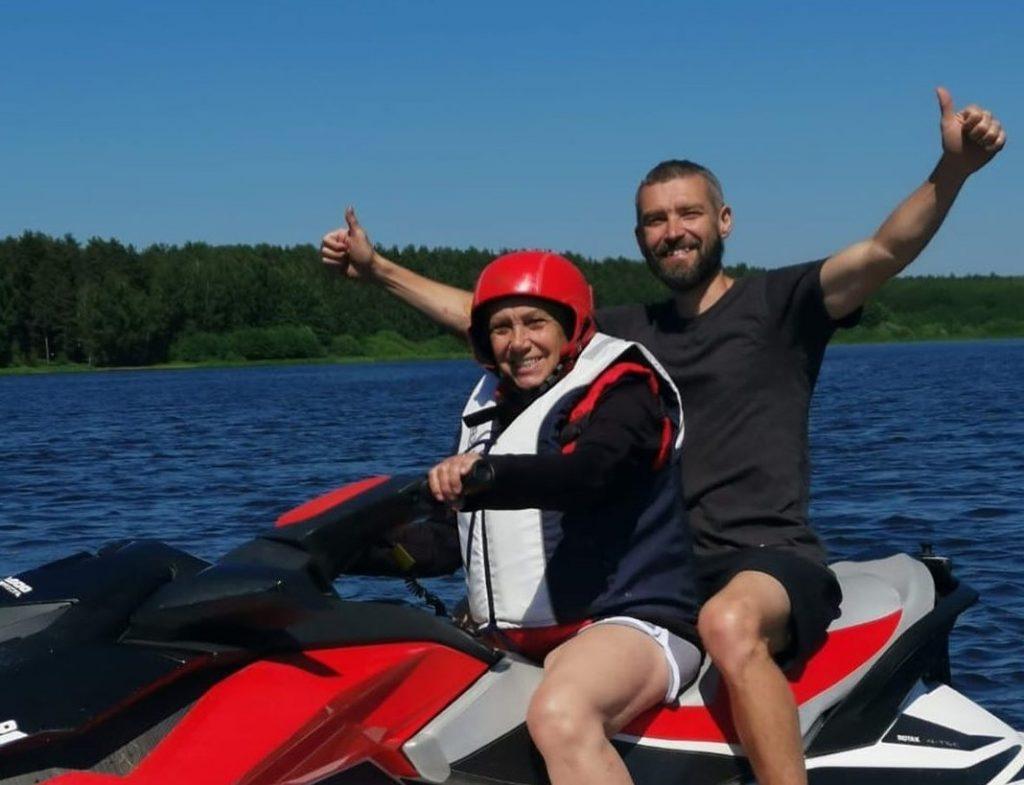 Мама Владимира Кристовского отметила день рождения на гидроцикле