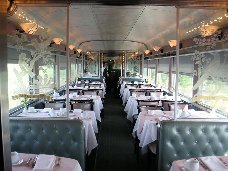Вагоны-рестораны возобновляют работу в поездах дальнего следования