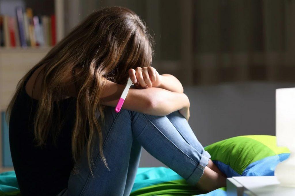 Пенсионер из Нижегородской области несколько месяцев насиловал несовершеннолетнюю девочку