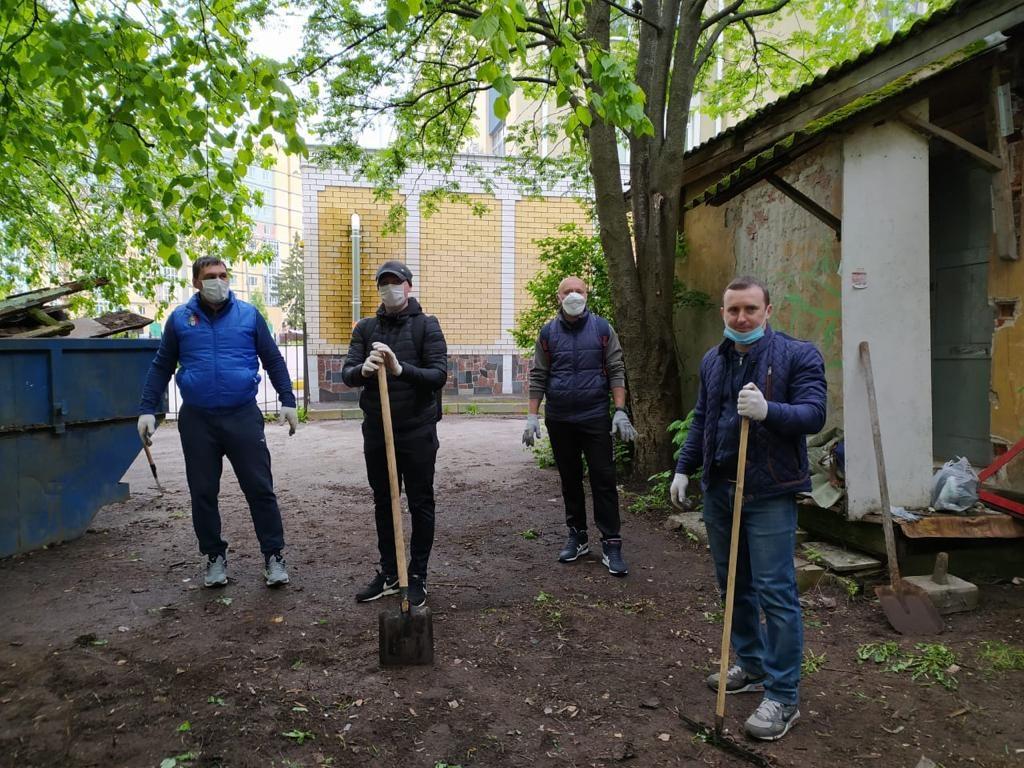 Уборка территорий объектов культурного наследия проходит вНижнем Новгороде
