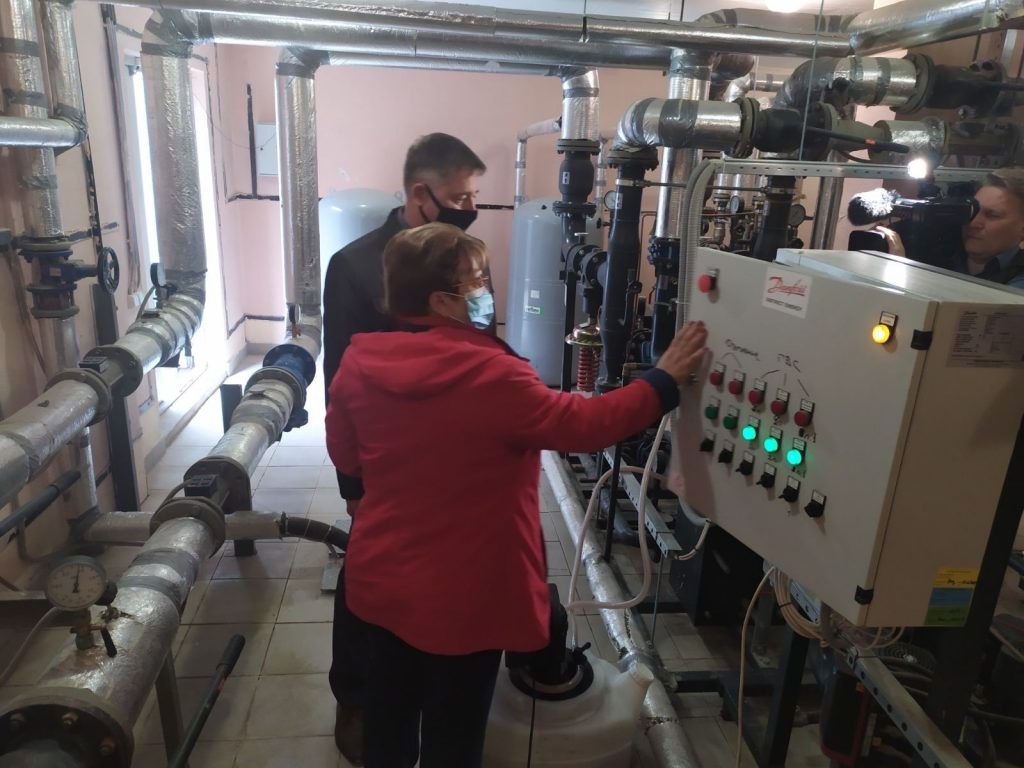 Подготовку многоквартирных домов котопительному сезону проверили сотрудники ГЖИ