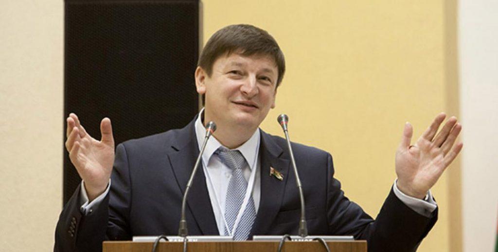 Батькин резерв-2: белорусская элита хочет доказать чуждость русских и белорусов
