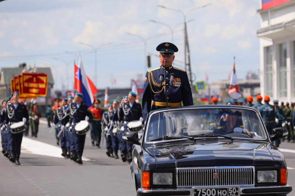 «Марш Победы»: смотрим 10 ярких кадров с Нижневолжской набережной