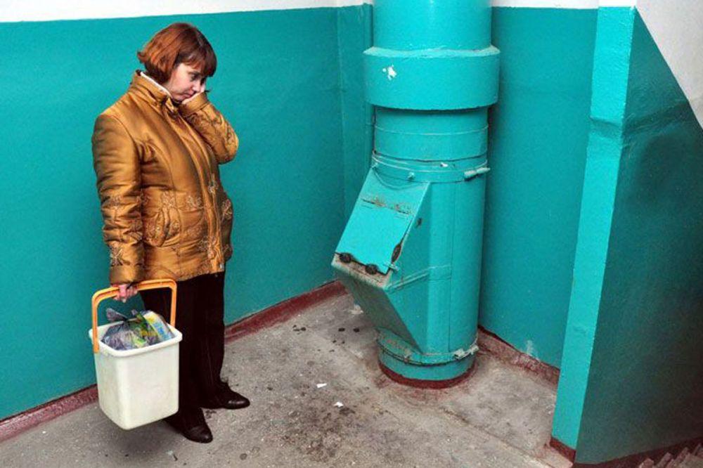 Мусоропроводы во всех домах России предложили законсервировать