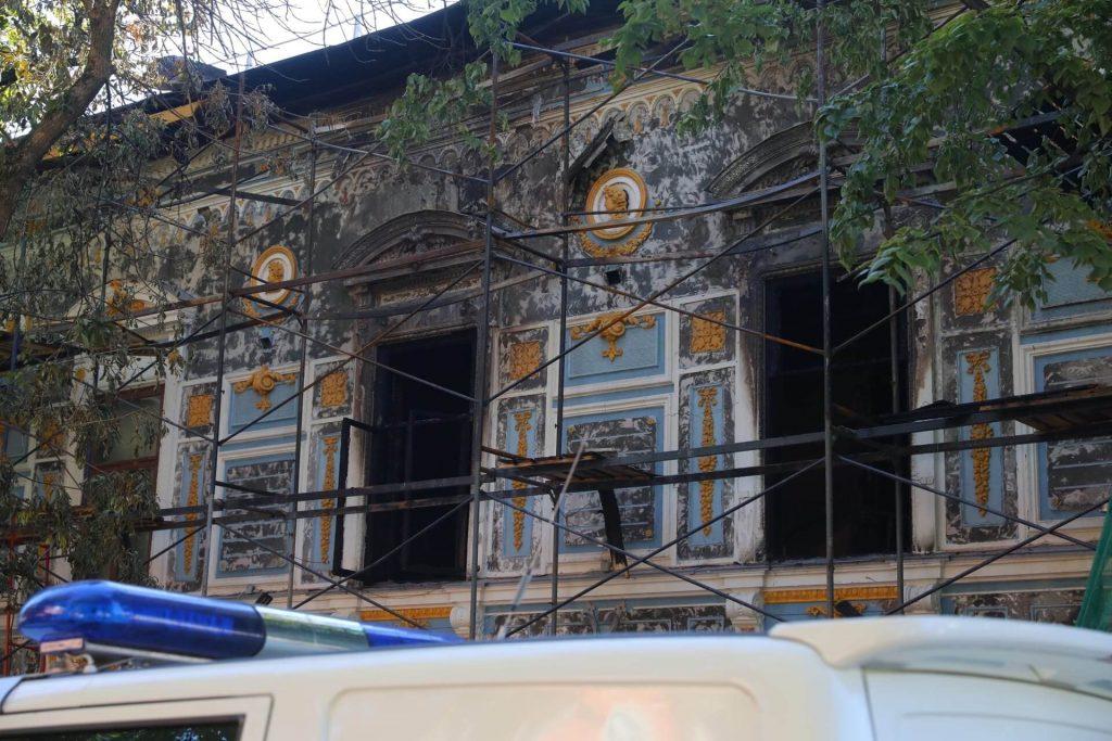 «Это огромная трагедия для всего города»: Роман Беагон показал состояние Литературного музея Горького после пожара (ВИДЕО)