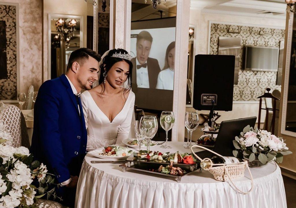 Молодожёны из Нижнего Новгорода рассказали, почему решили провести онлайн-свадьбу