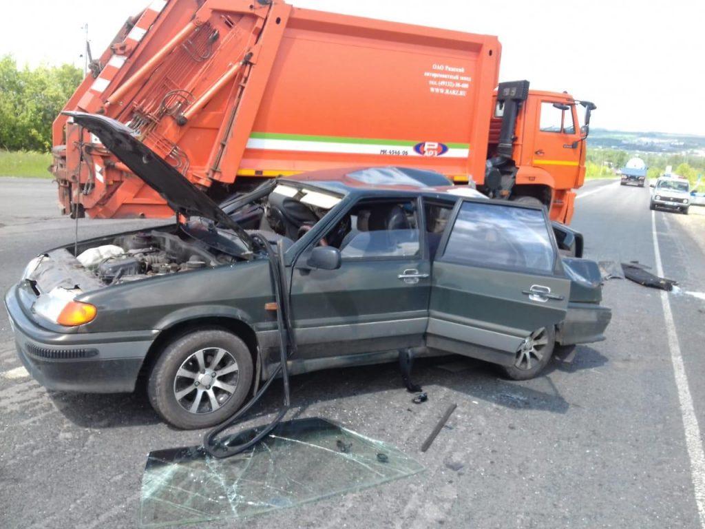 Погибла женщина: смертельное ДТП с мусоровозом произошло в Сергачском районе